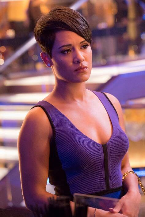 Grace Gealey cleavages pics
