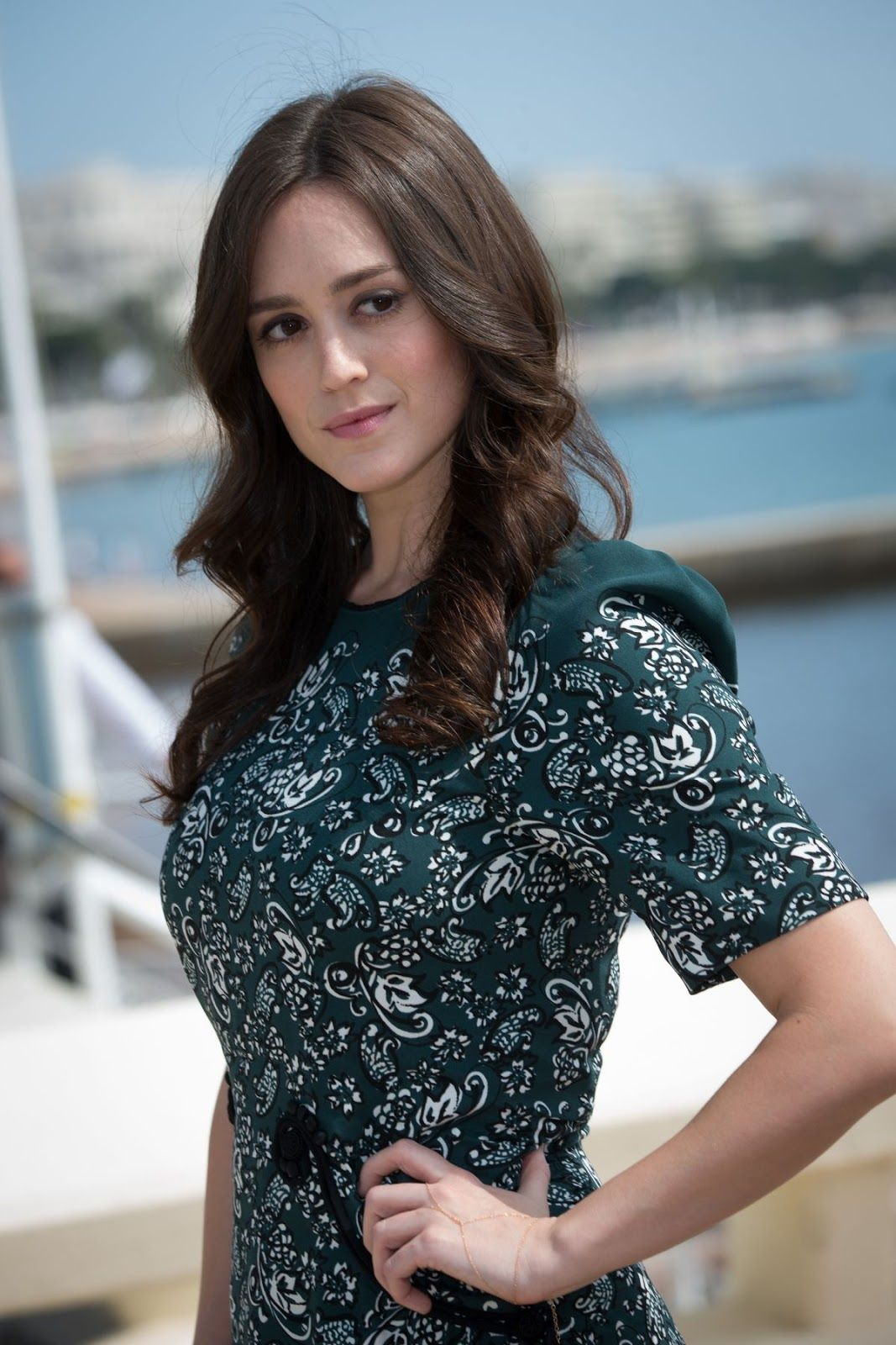 Heather Lind hot pic