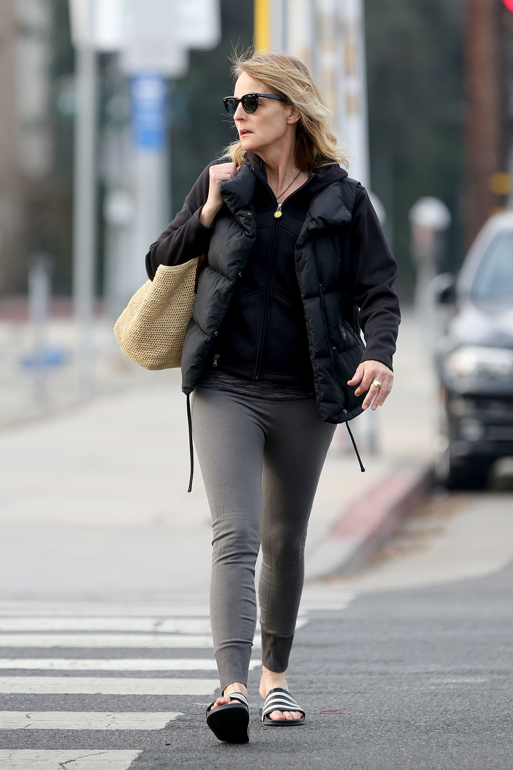 Helen Hunt Hot in Black Gaugle