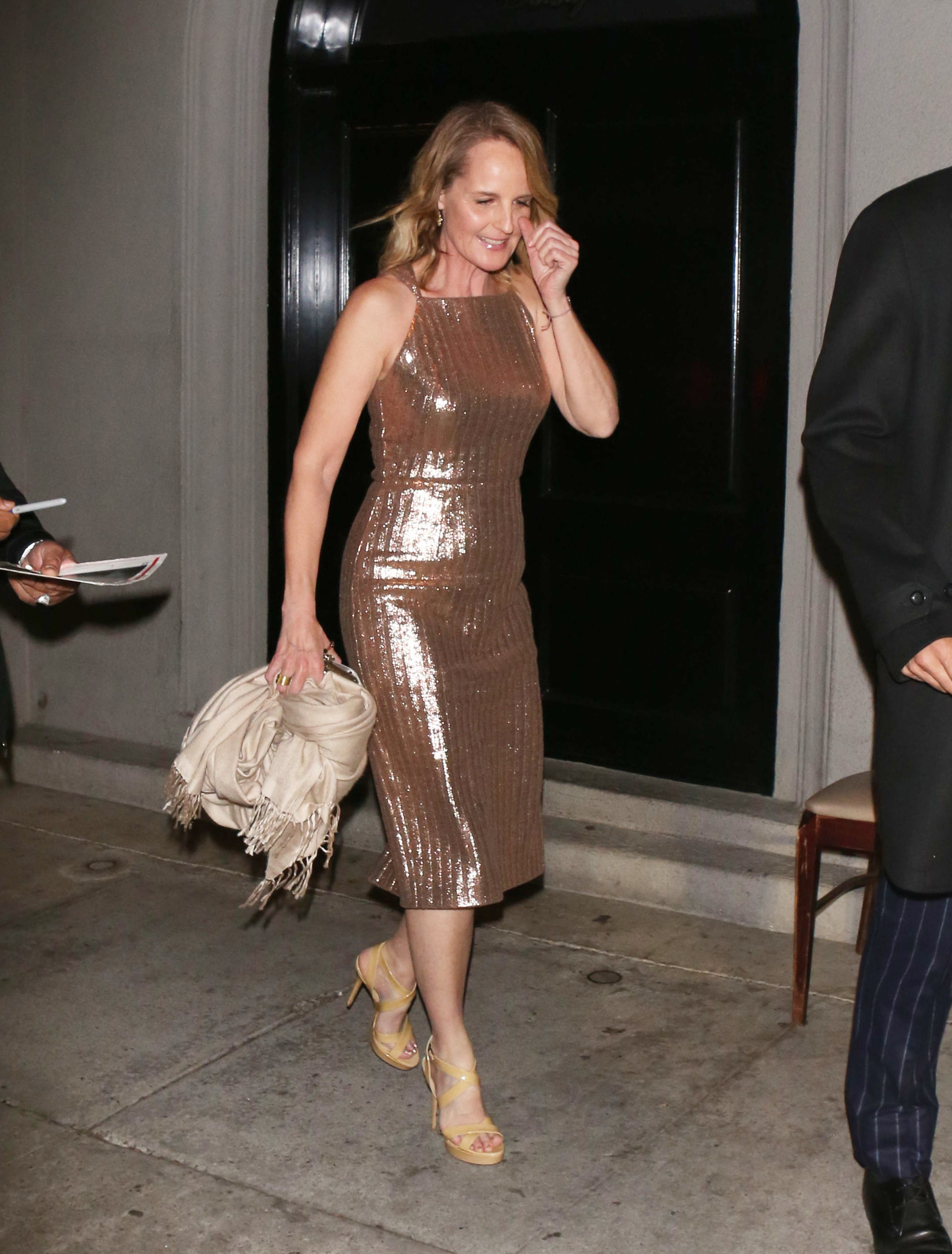 Helen Hunt Hot in Golden Dress