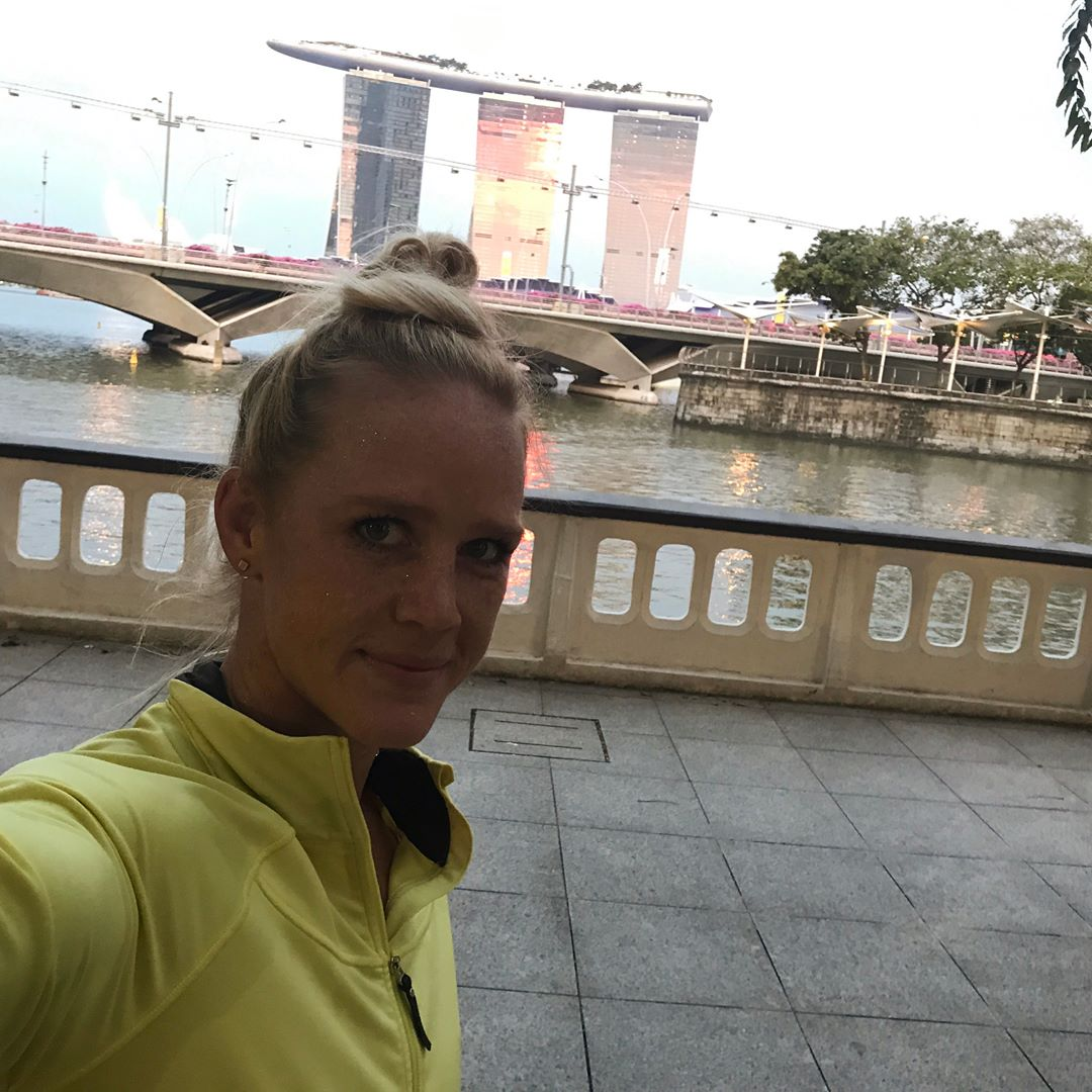 Holly Holm Selfie Pics