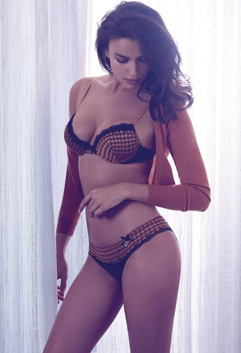 Irina Shayk damm hot photo