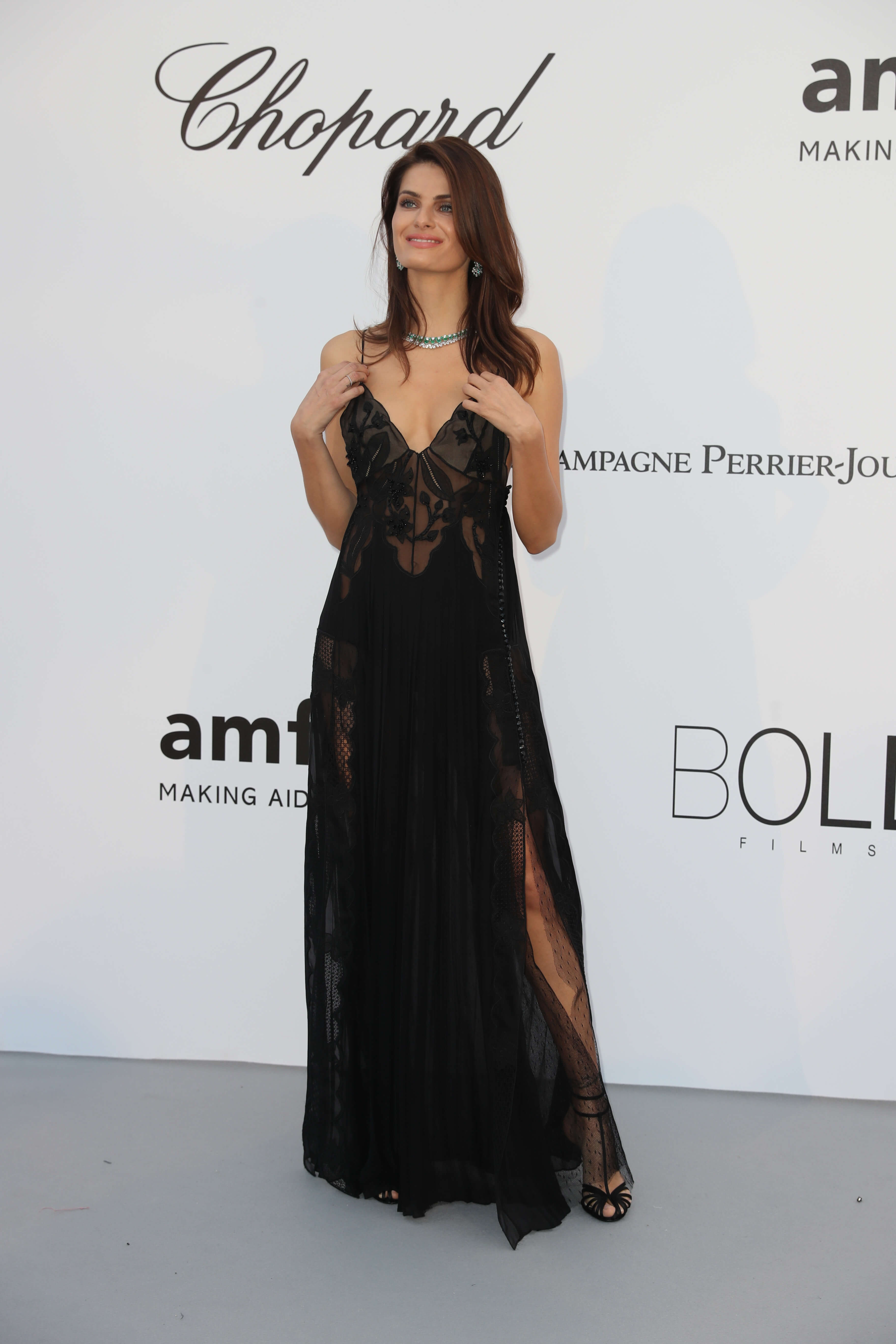 Isabeli Fontana Y Cleavage Picture