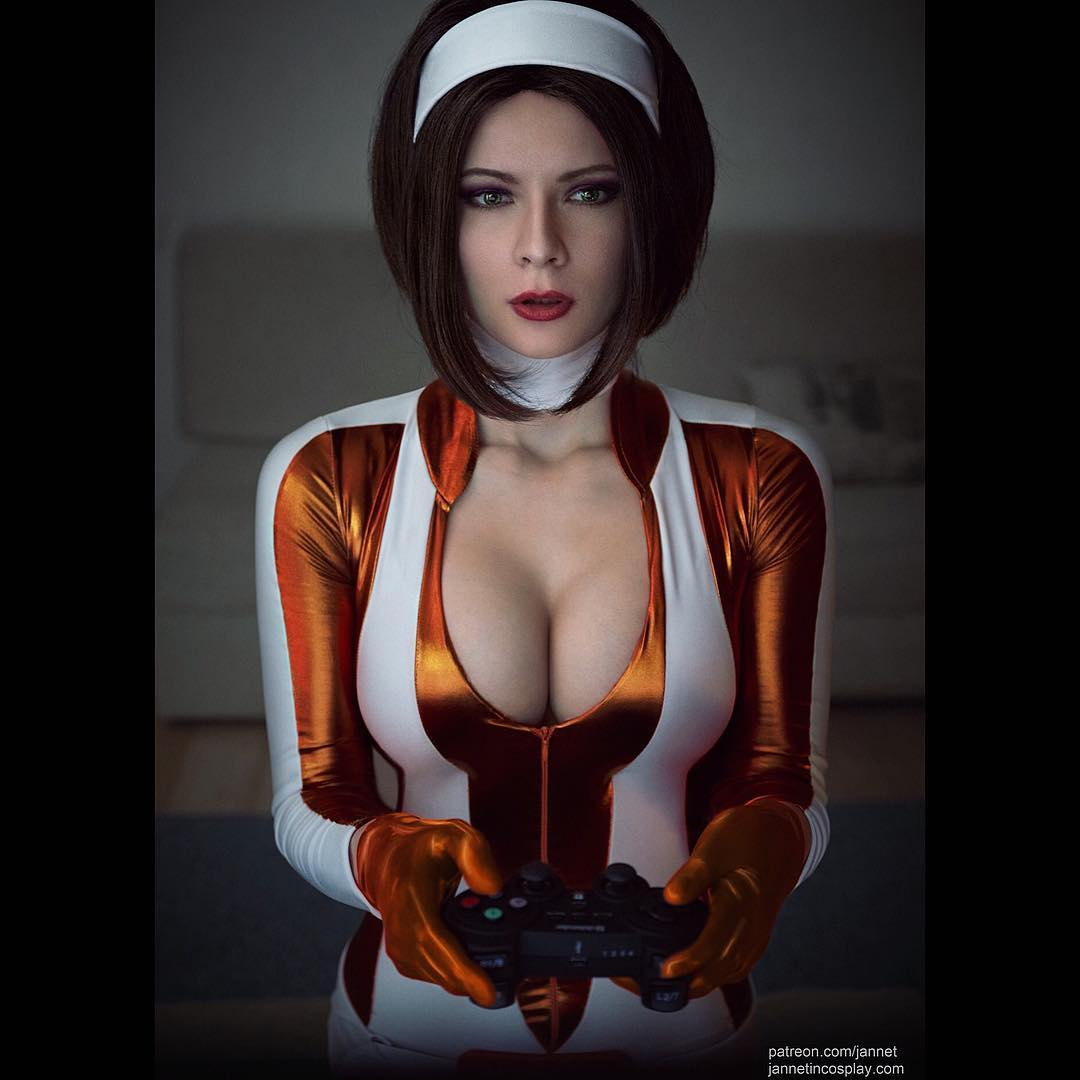 Jannet Incosplay Sexy Big Boobs Pictures