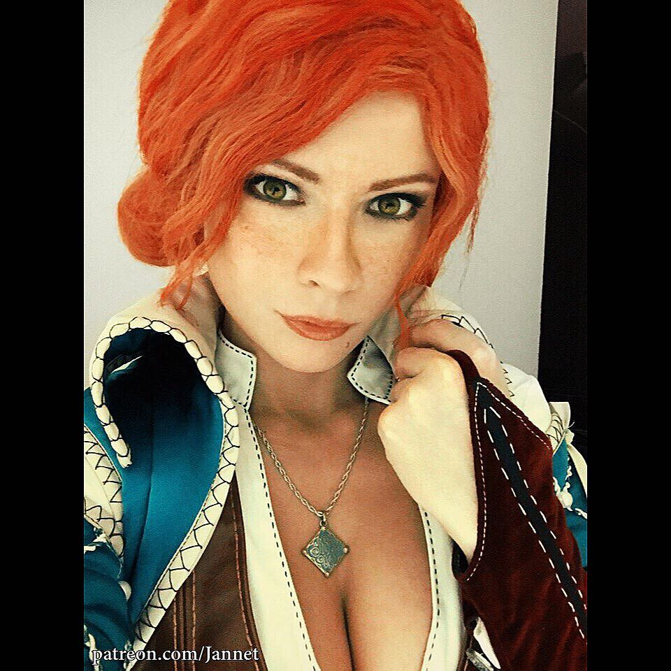Jannet Incosplay on Red Hair