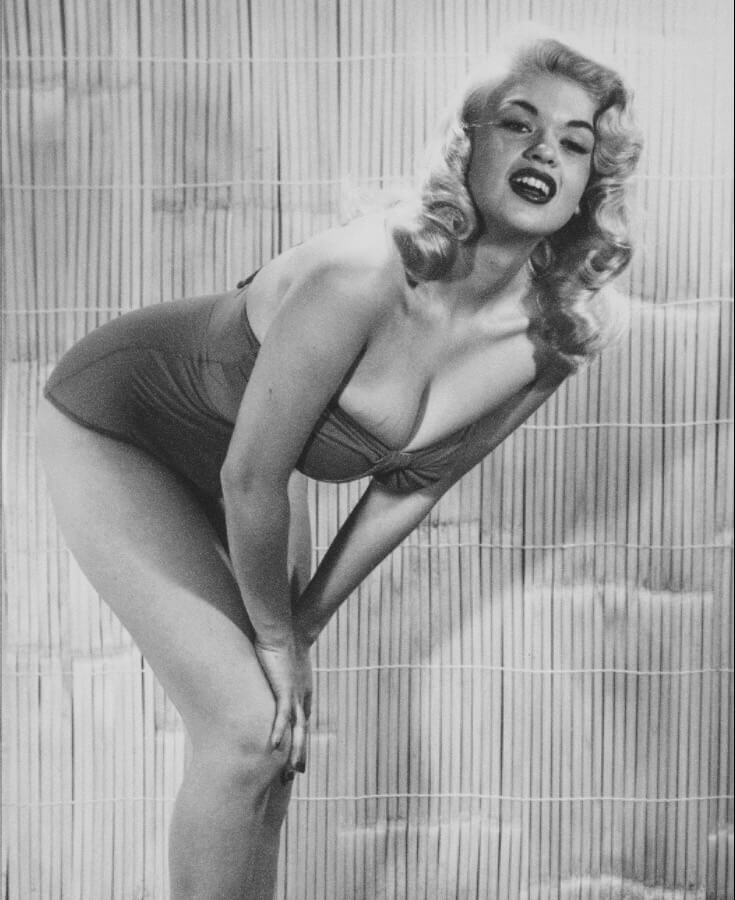 Jayne Mansfield sexy cleavages pics (2)