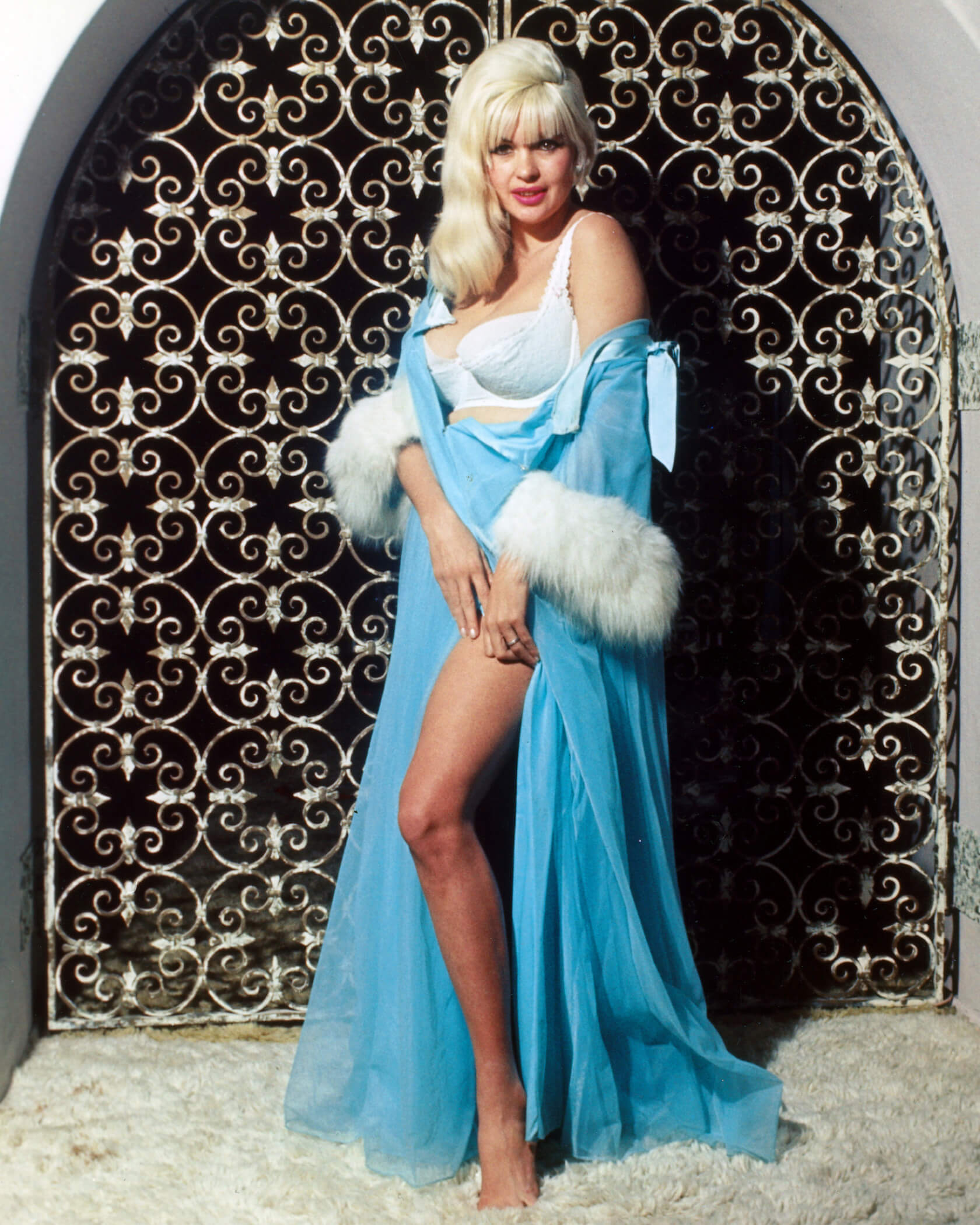 Jayne Mansfield sexy thighs (2)