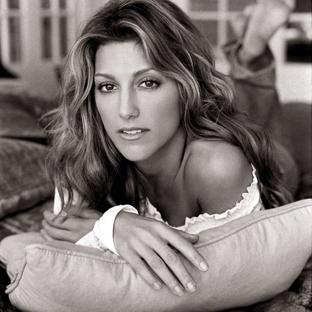 Jennifer Esposito Photoshoot Photo