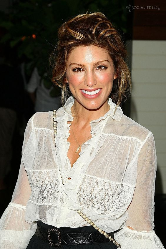 Jennifer Esposito on Award