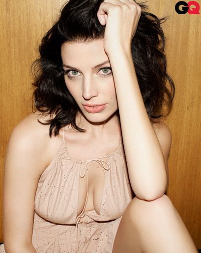 Jessica Pare Sexy Pictures