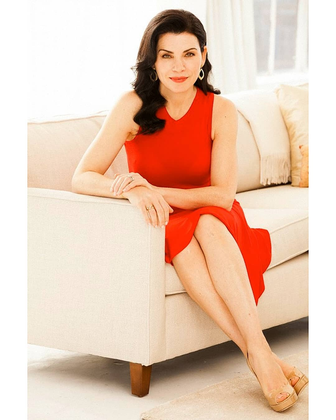Julianna Margulies Hot Legs