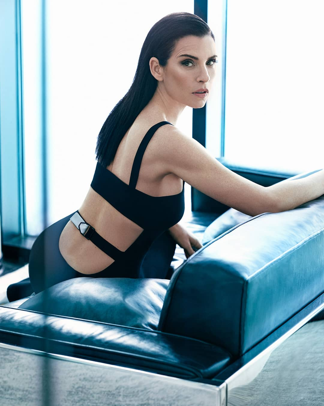 Julianna Margulies Hot Photoshoot