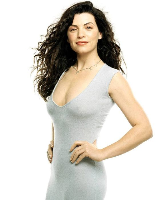 Julianna Margulies Hot