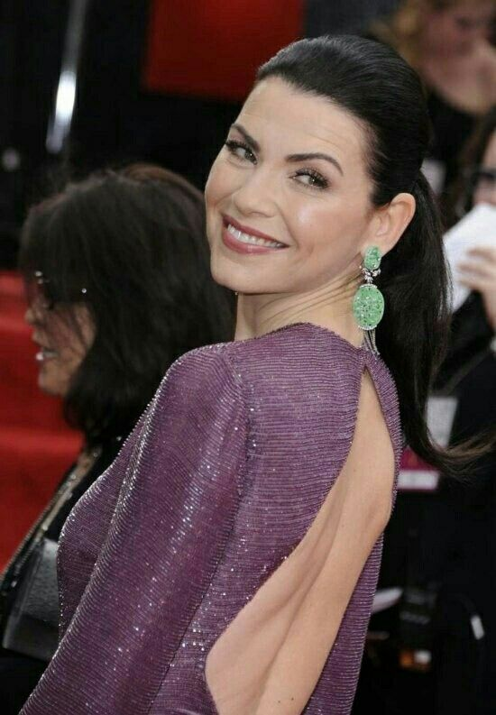 Julianna Margulies Sexy Back