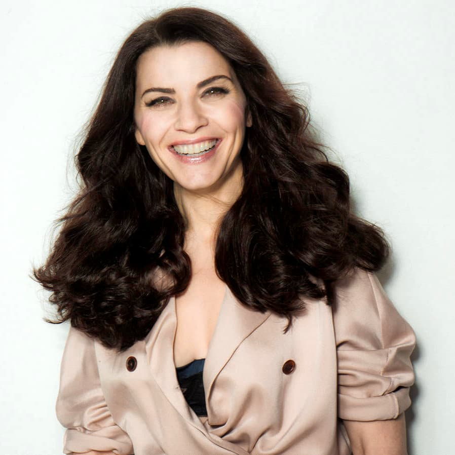 Julianna Margulies Smile Pics