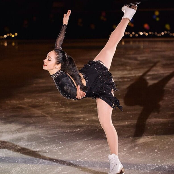 Kaetlyn Osmond hot legs (4)