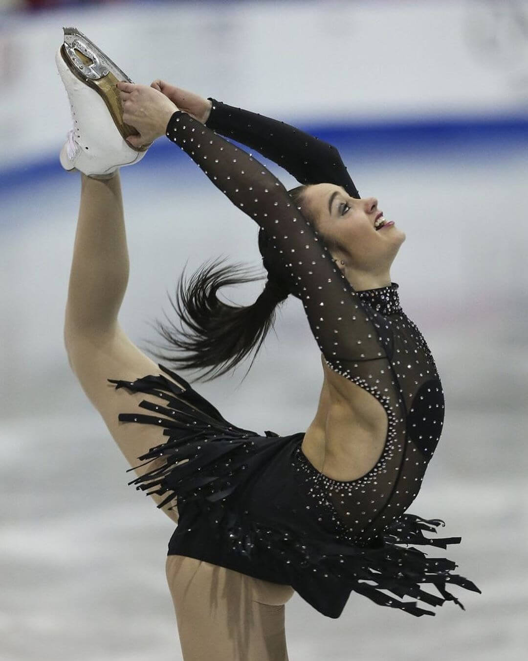 Kaetlyn Osmond hot legs