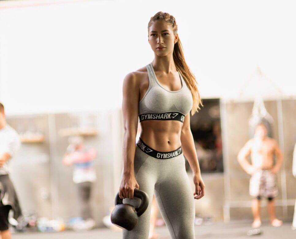 Karina Elle hot busty pictures