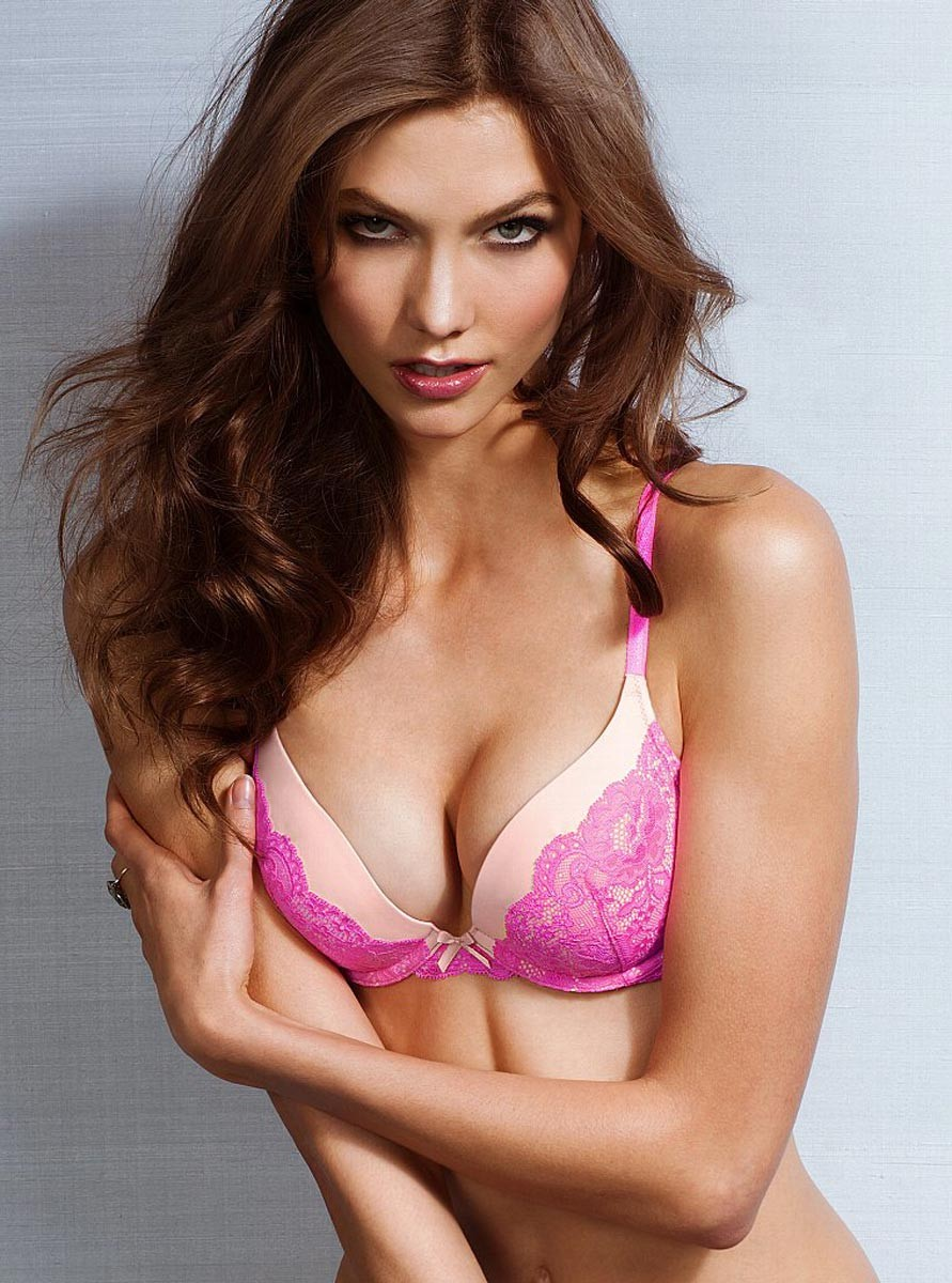 Karlie Kloss hot lady pic