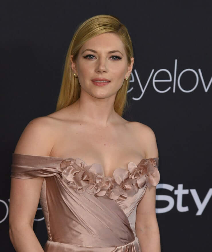 Katheryn Winnick beautiful side boobs