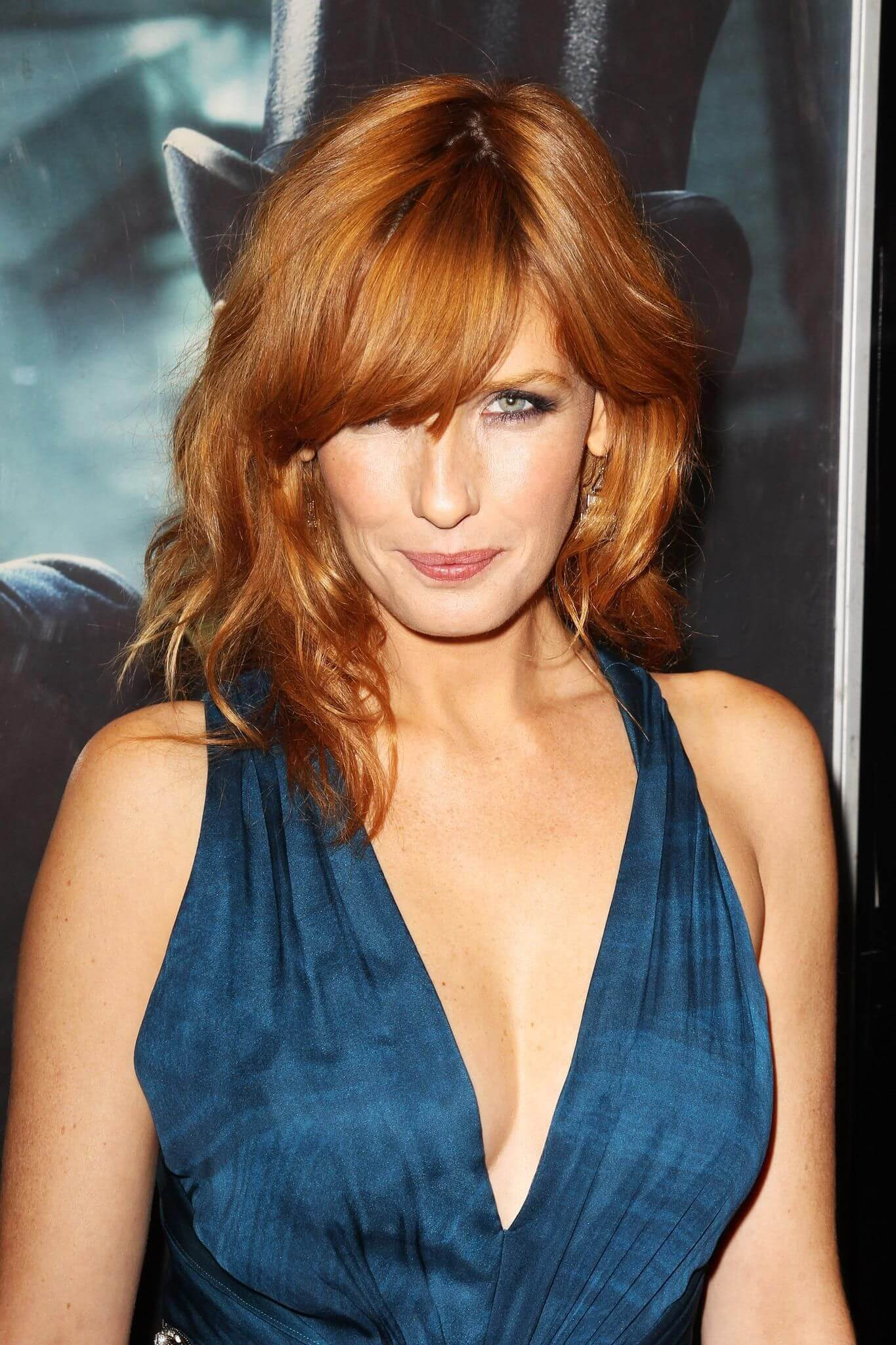 Kelly Reilly cleavage