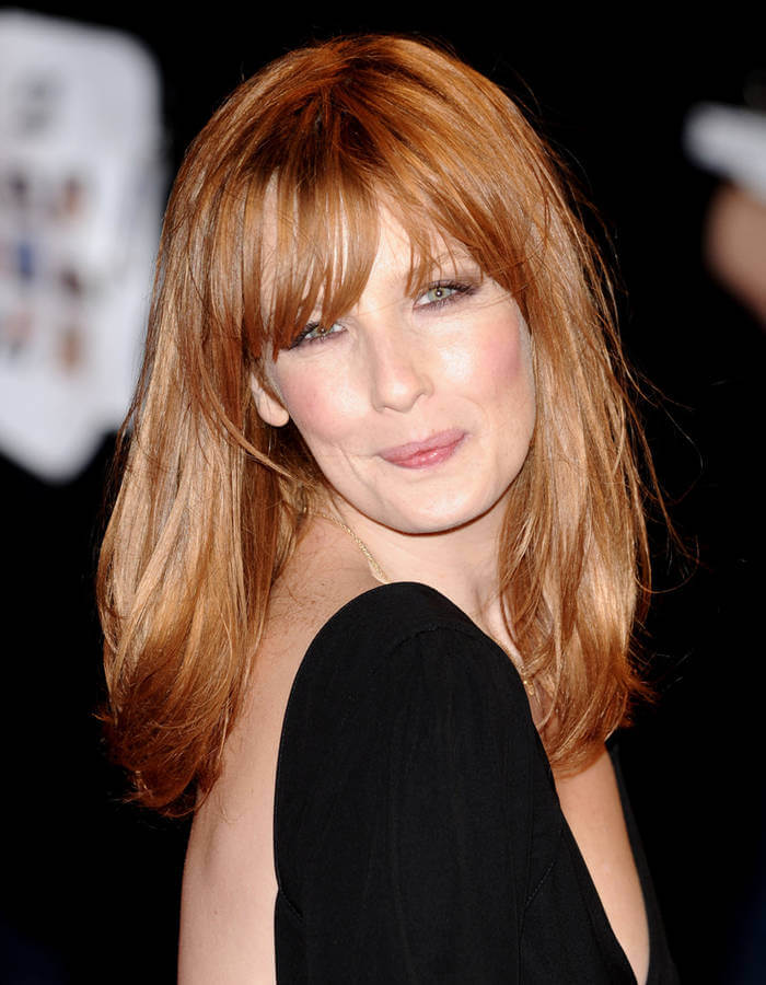 Kelly Reilly hot look