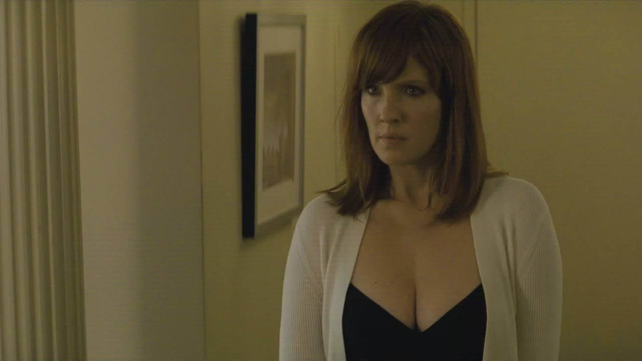 Topless kelly reilly Steamy and