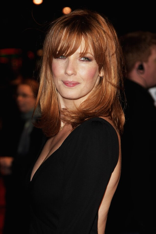 Kelly Reilly sexy side look