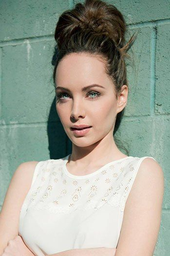 Ksenia Solo hot cleavages picture