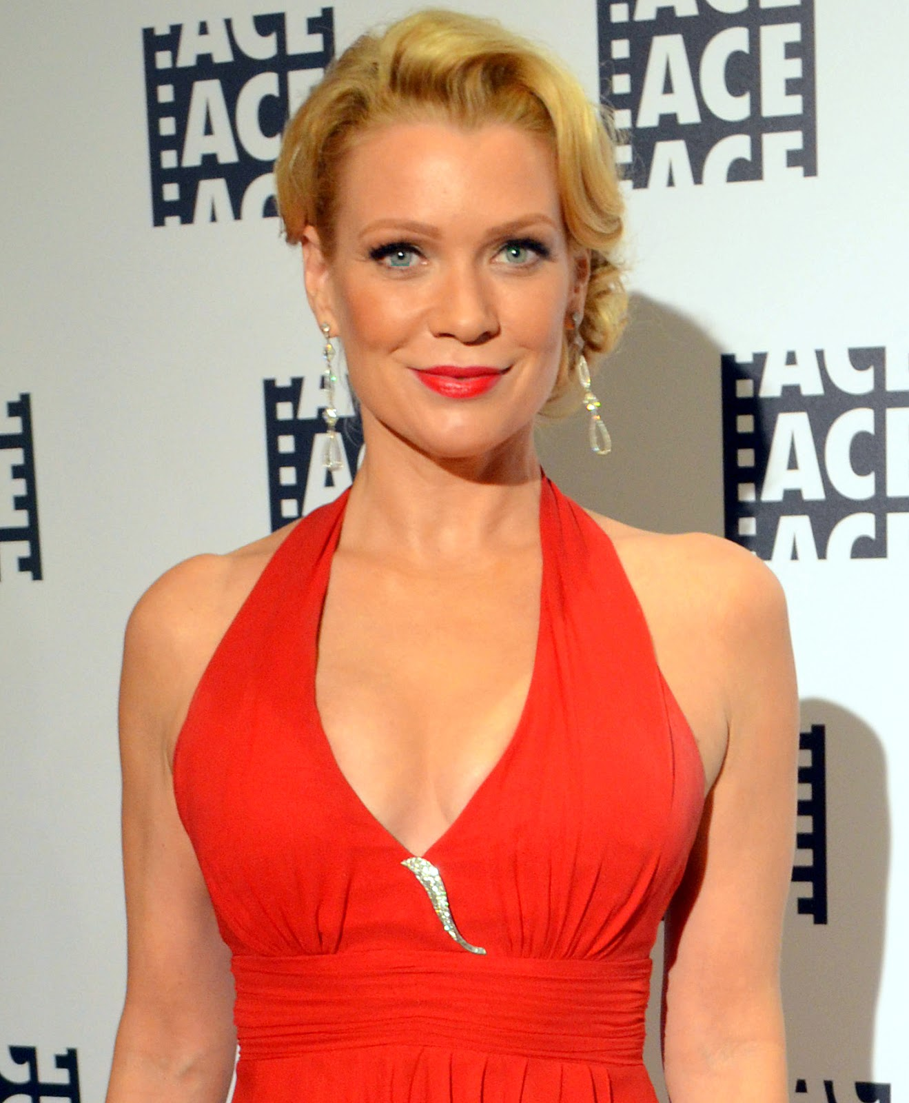 49 Hot Pictures Of Laurie Holden Expose Her Sexy Hour