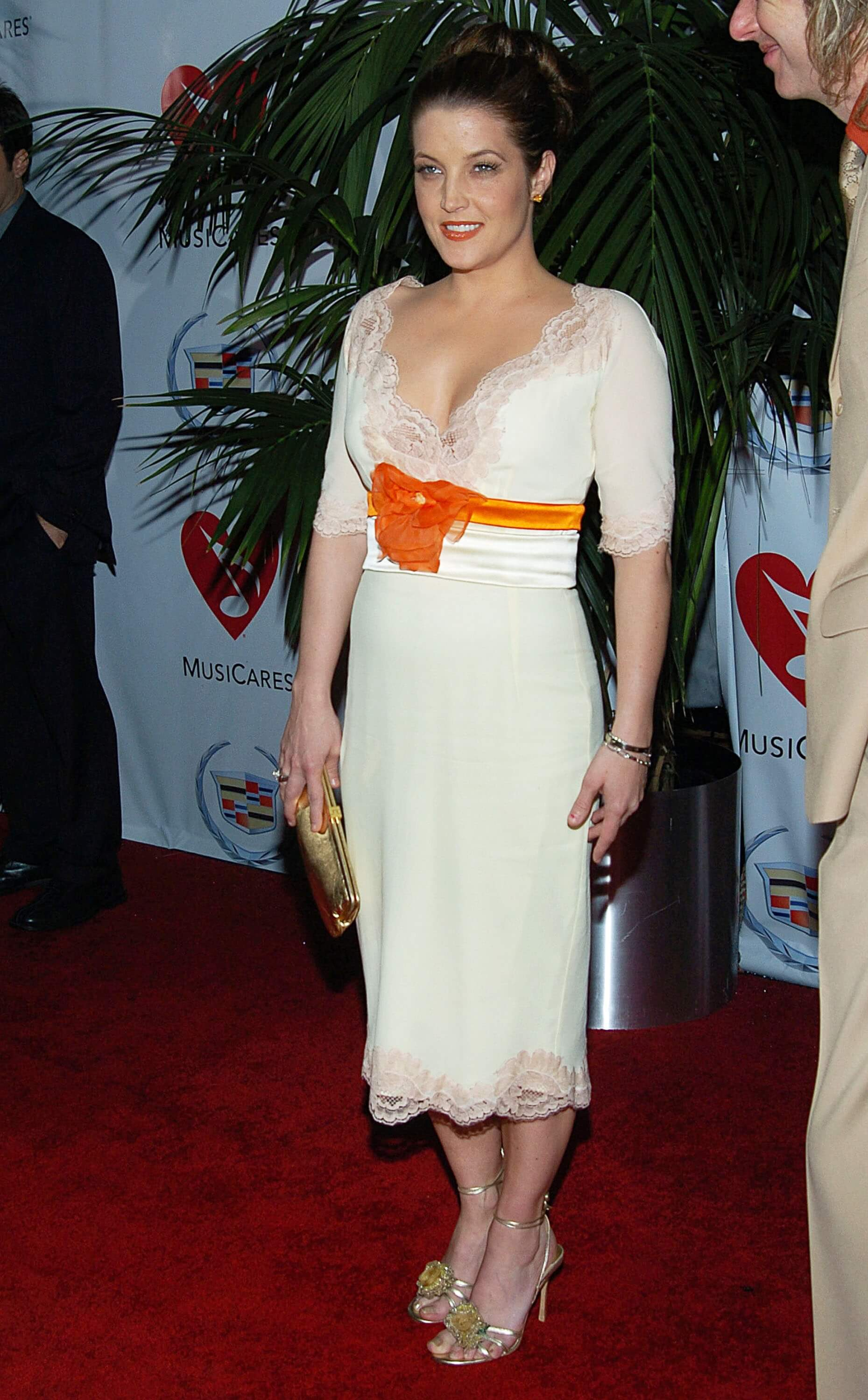 Lisa Marie Presley awesome white dress