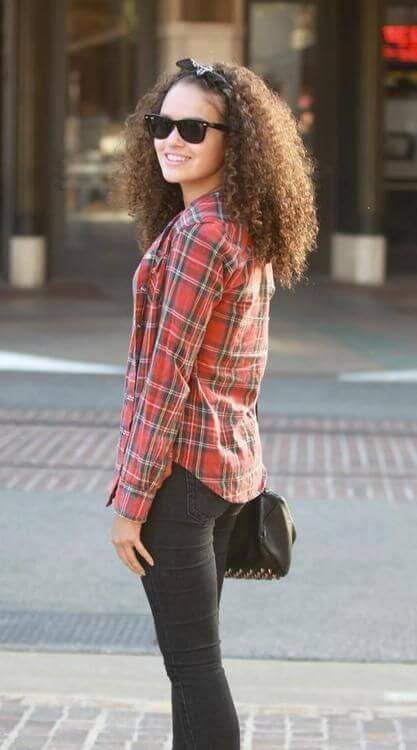 Madison Pettis hot side pic (2)