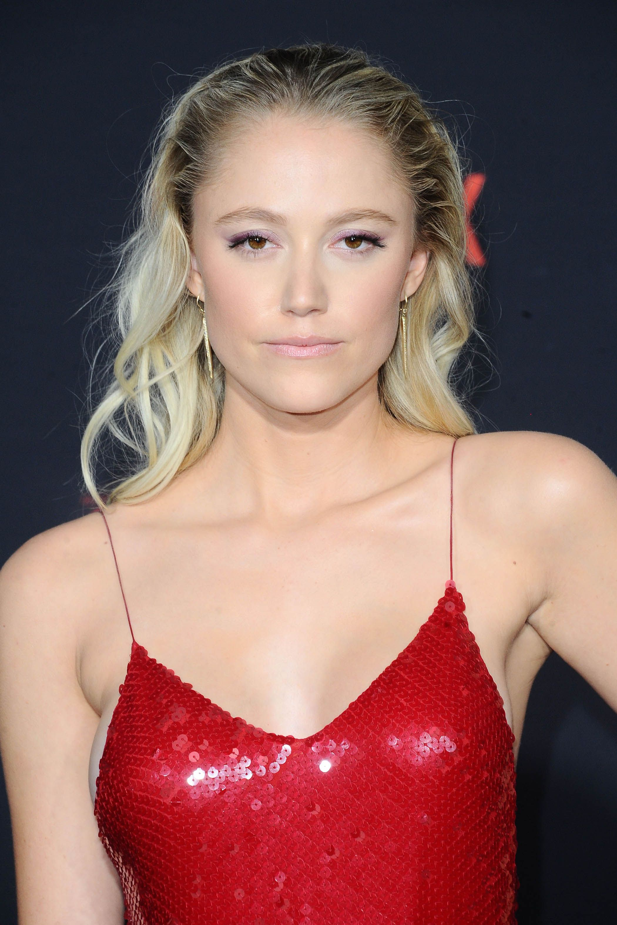 Maika Monroe very hot picture