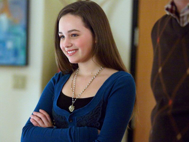 Mary Mouser hot side pic