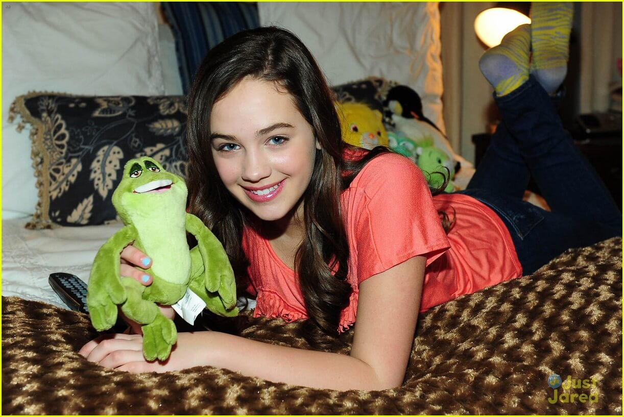 Mary Mouser sexy pics (3)