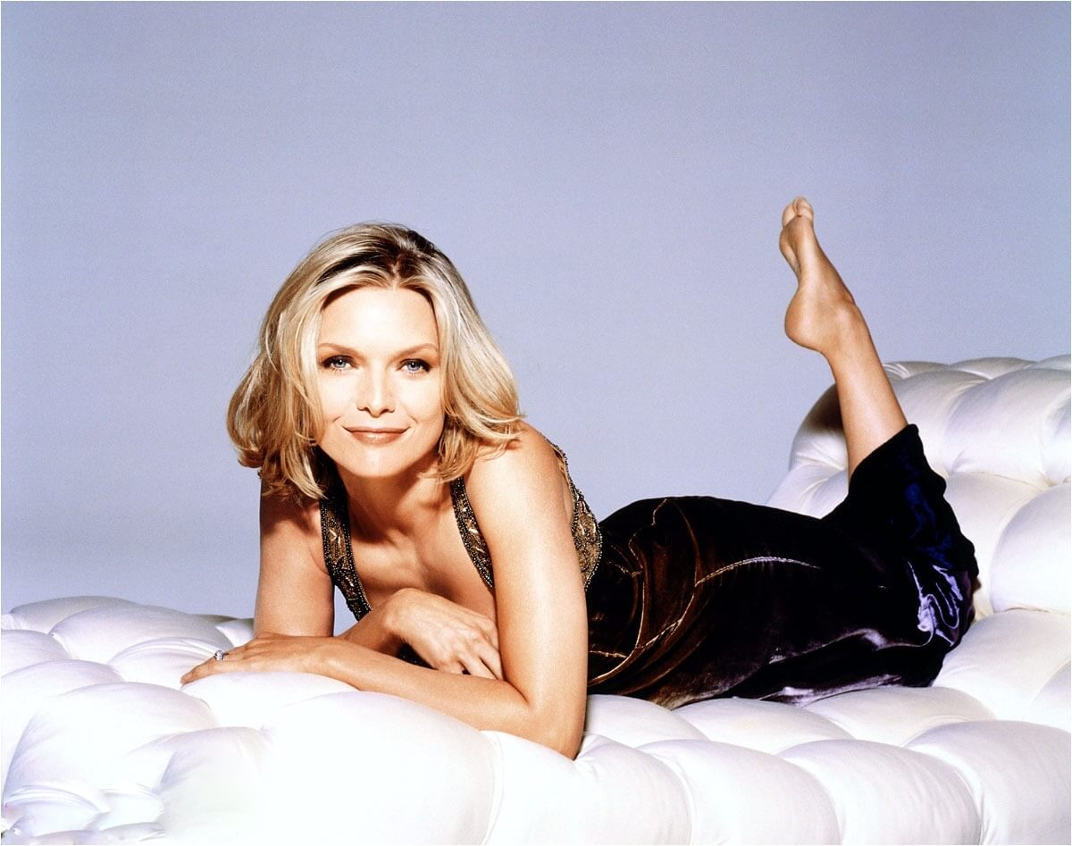 Michelle Pfeiffer awesome cleavages