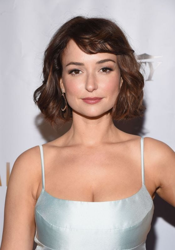 Milana Vayntrub hot women picture