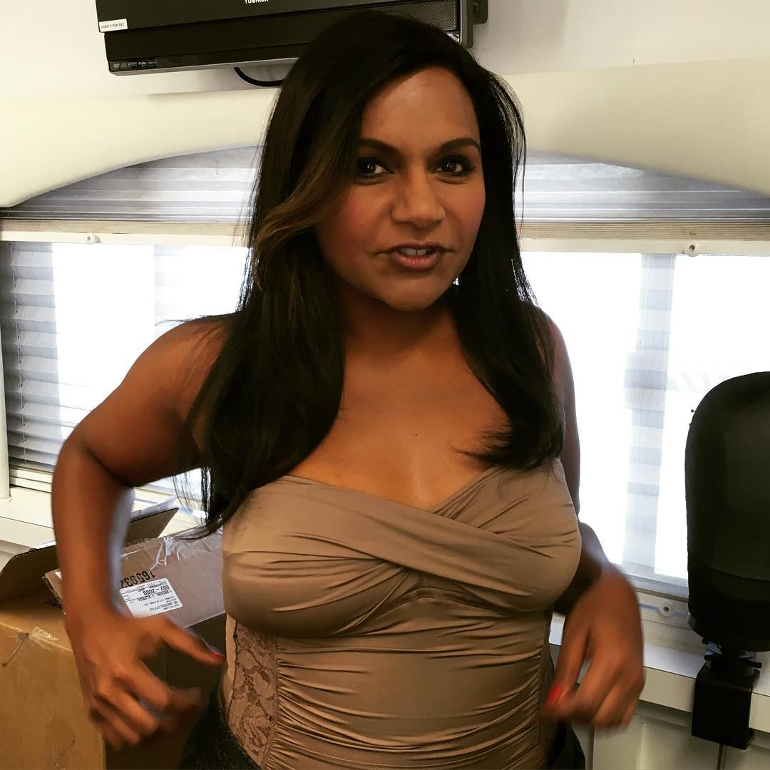 49 Hot Pictures Of Mindy Kaling Which Are Sexy As Hell