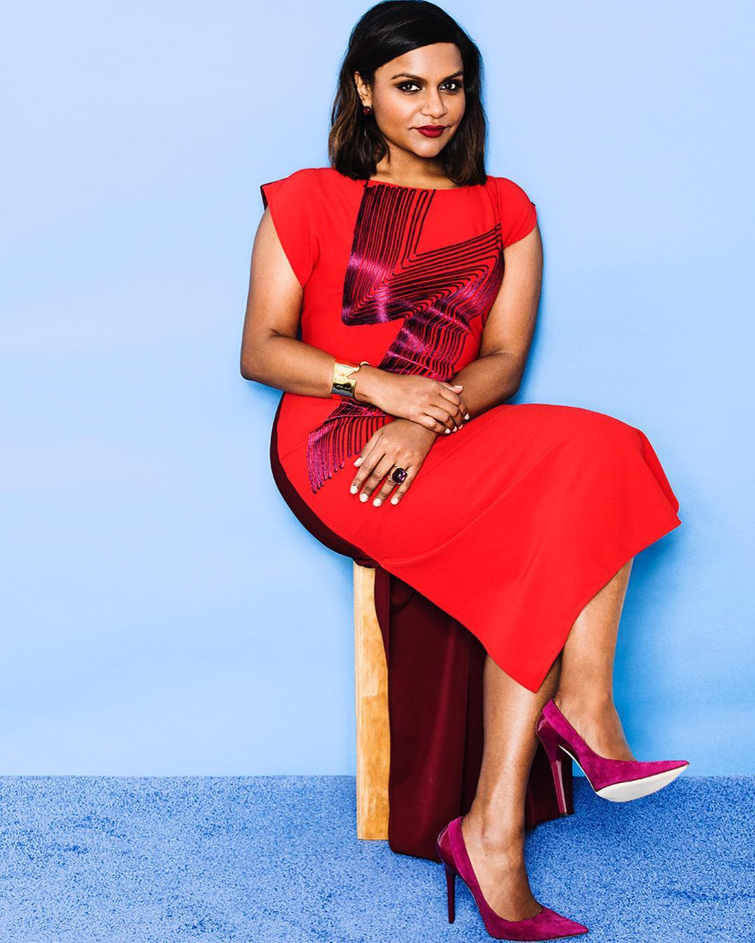 Mindy Kaling hot in Red Dress