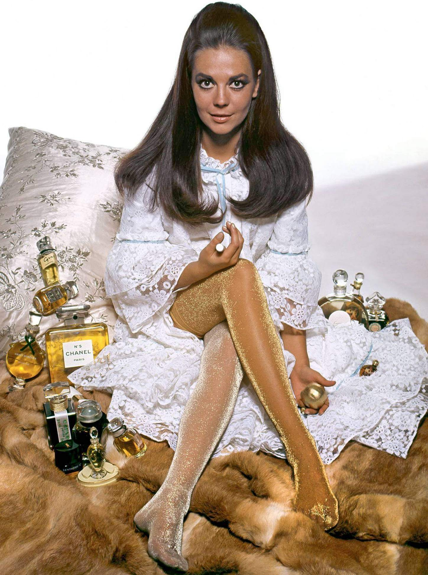 Natalie Wood hot legs