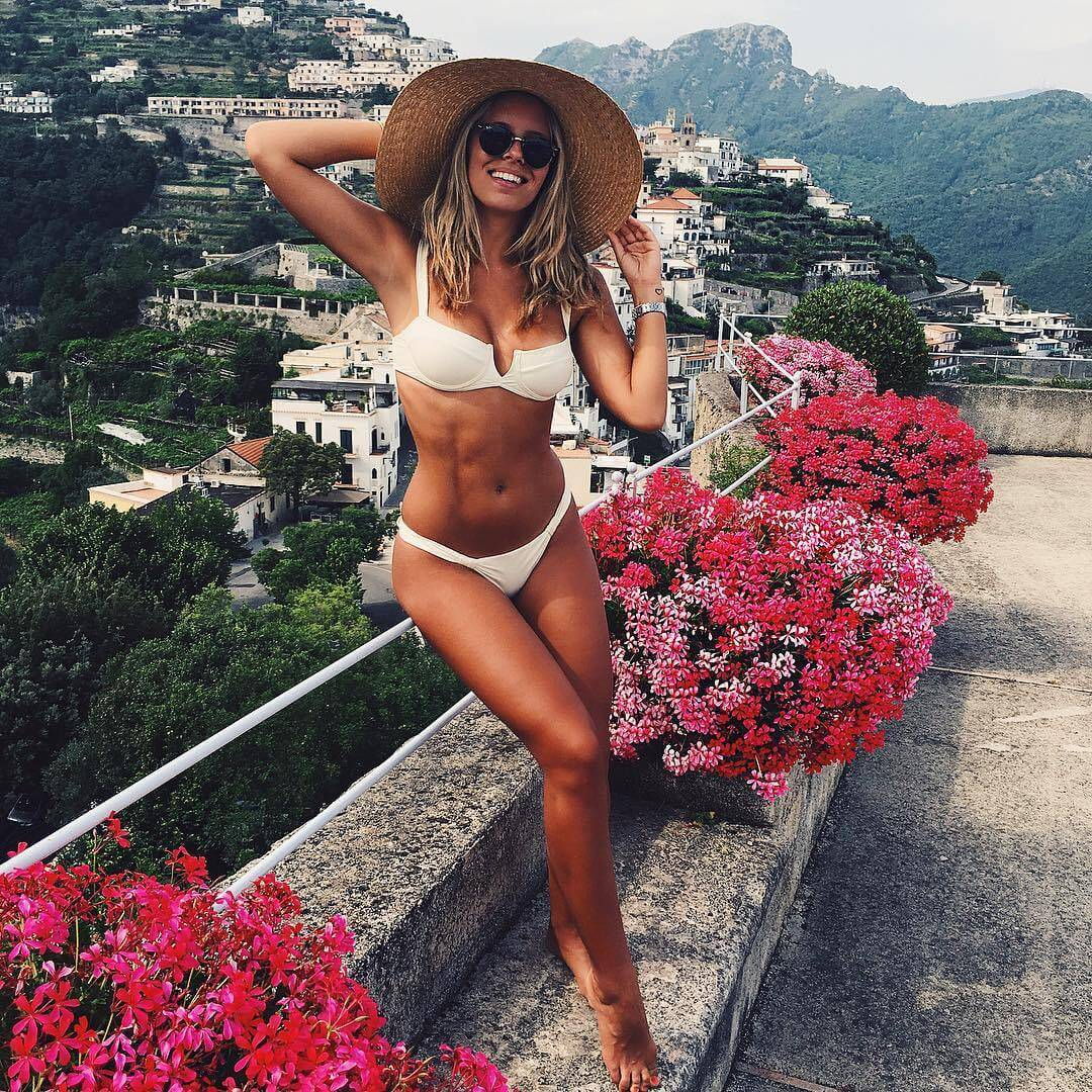 Natasha Oakley beautiful pictures