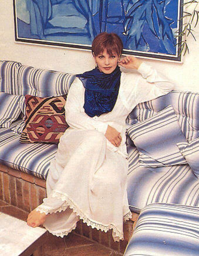 Priscilla Presley feet awesome pic