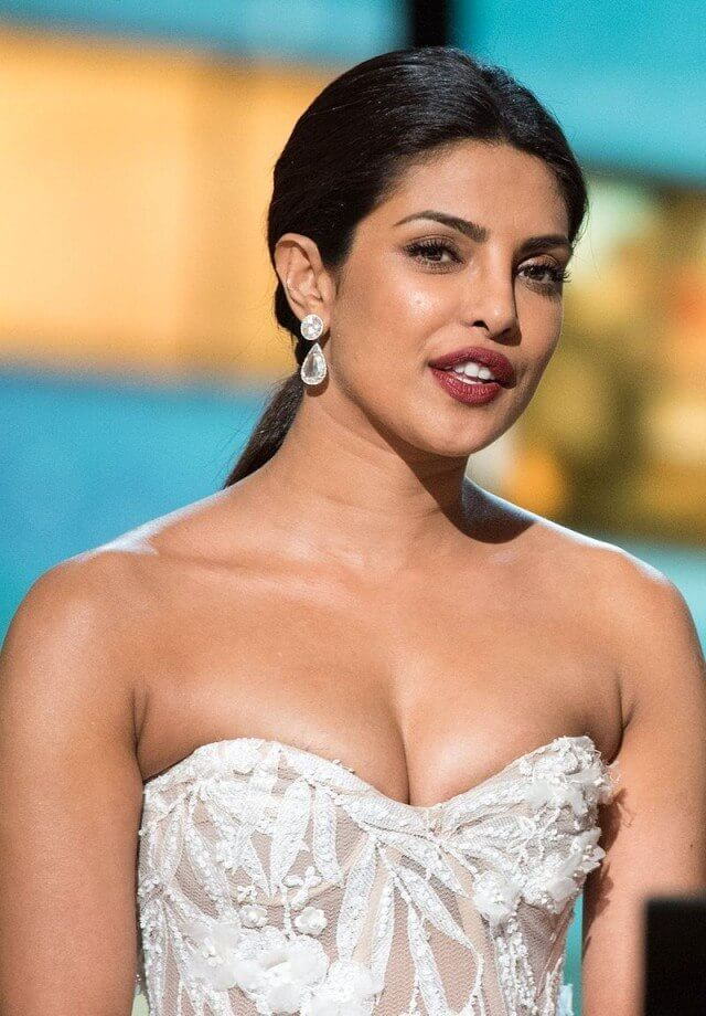 Priyanka-Chopra-hot-boobs