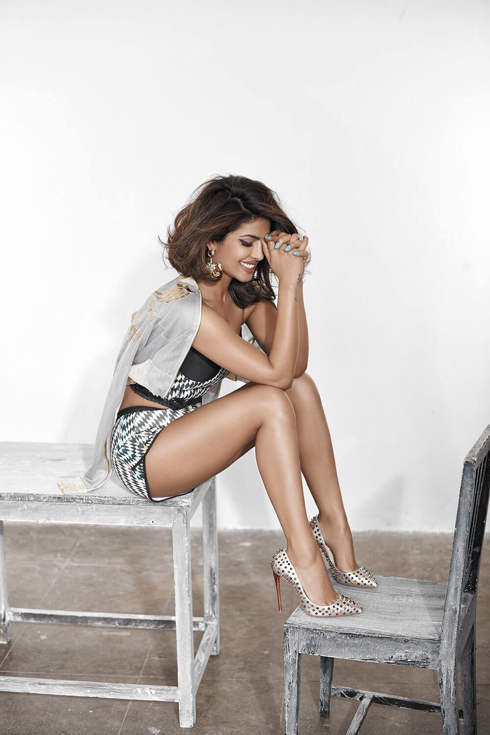 Priyanka chopra awesome legs