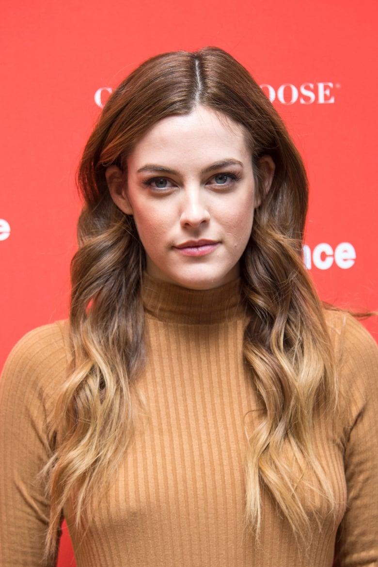 Riley Keough damm sexy pic