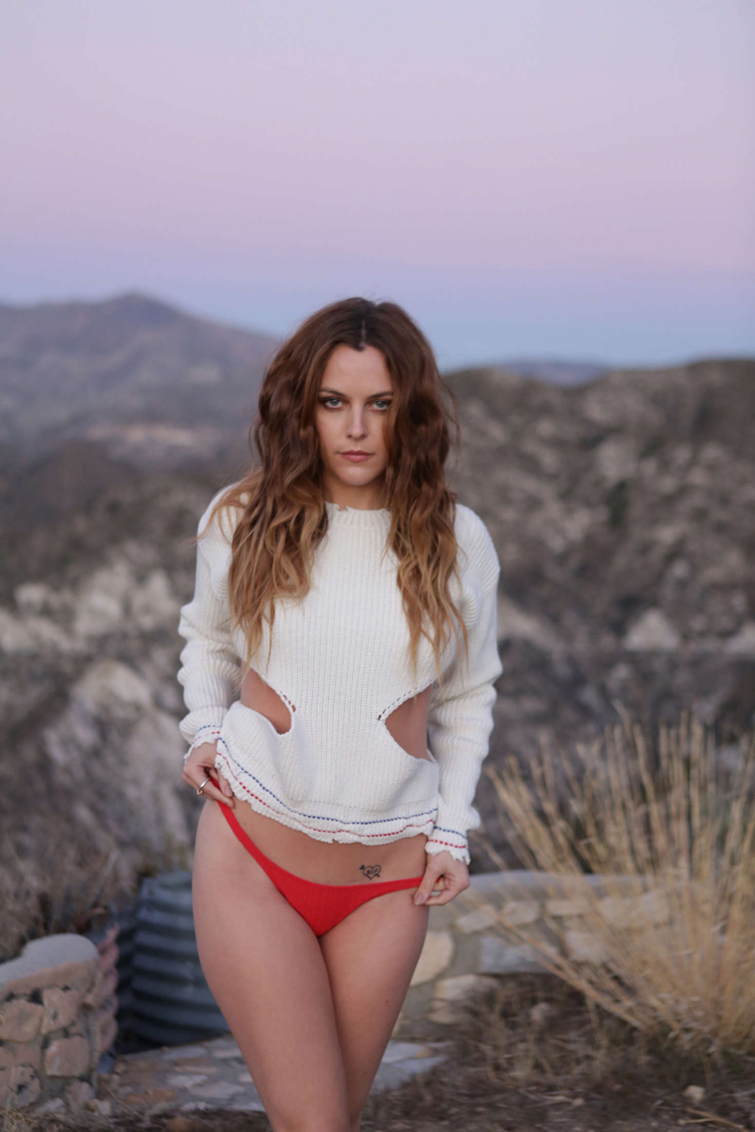 Riley Keough sexy photo