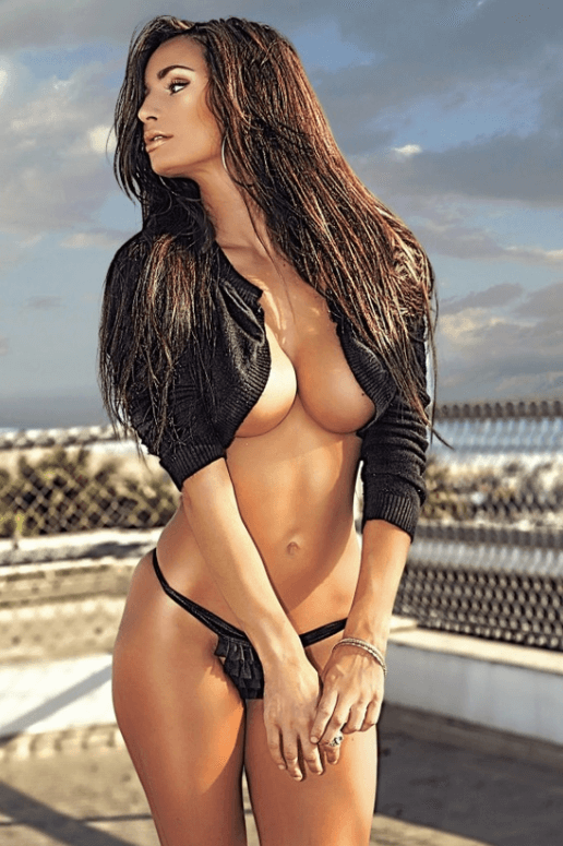 Rosie Roff topless