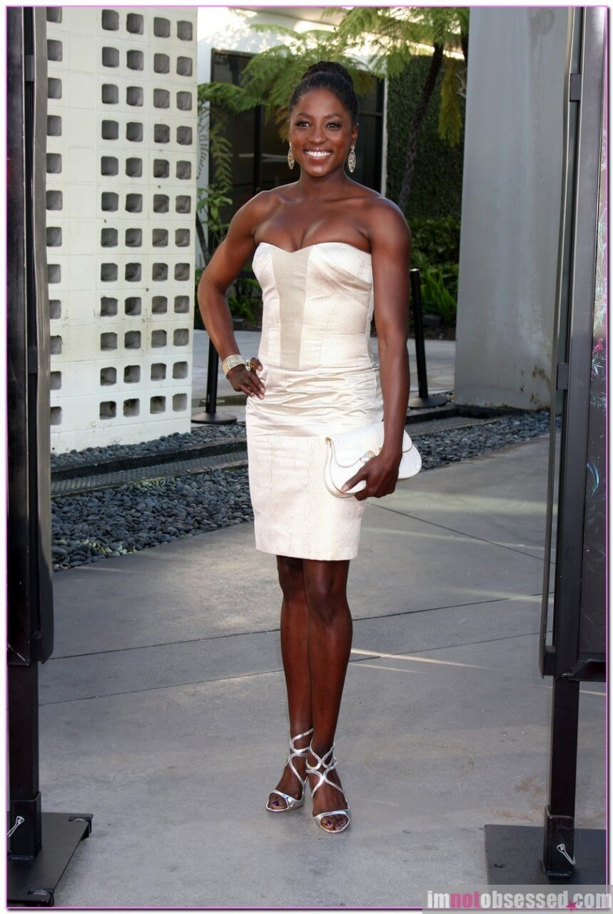 Rutina Wesley feet high heels