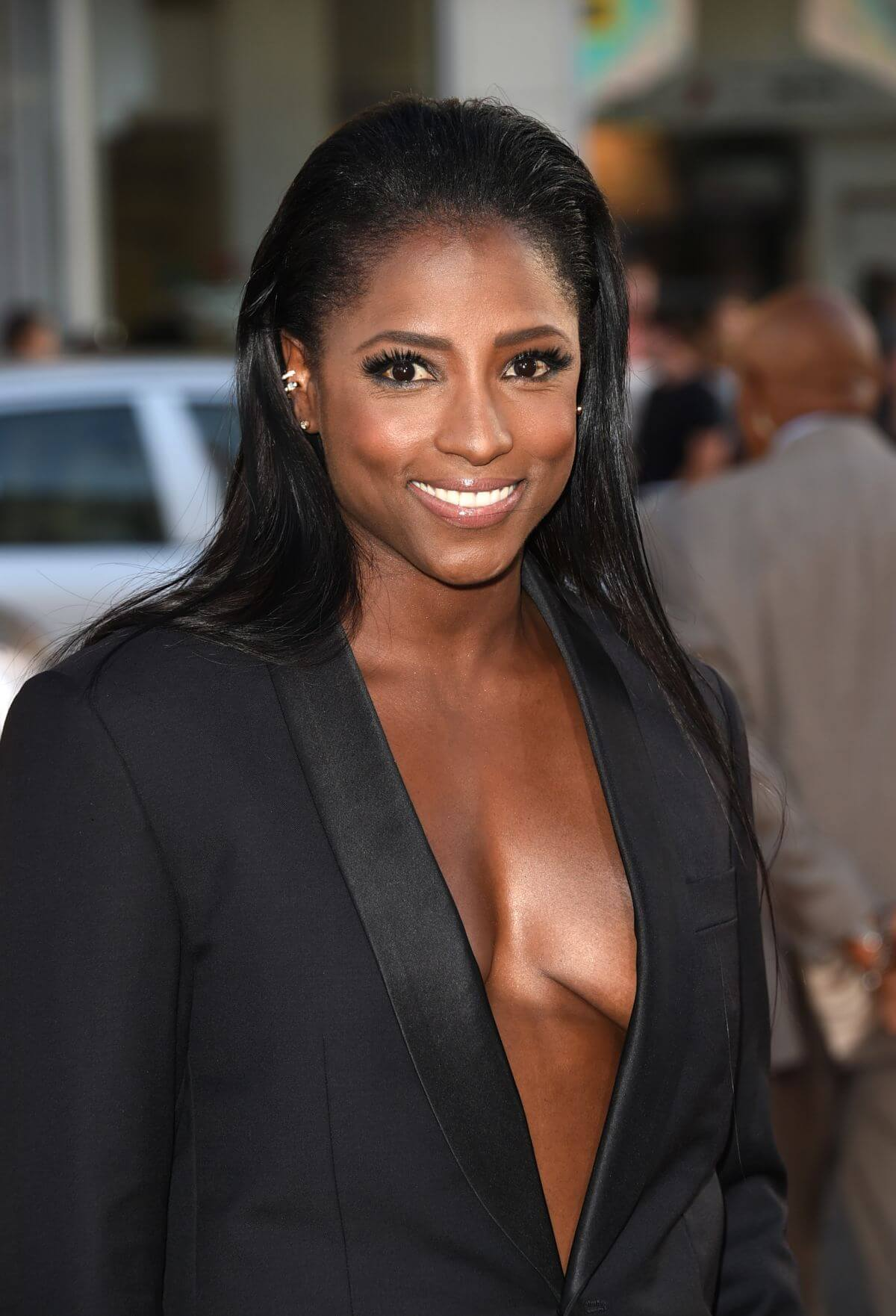 Rutina Wesley side boobs