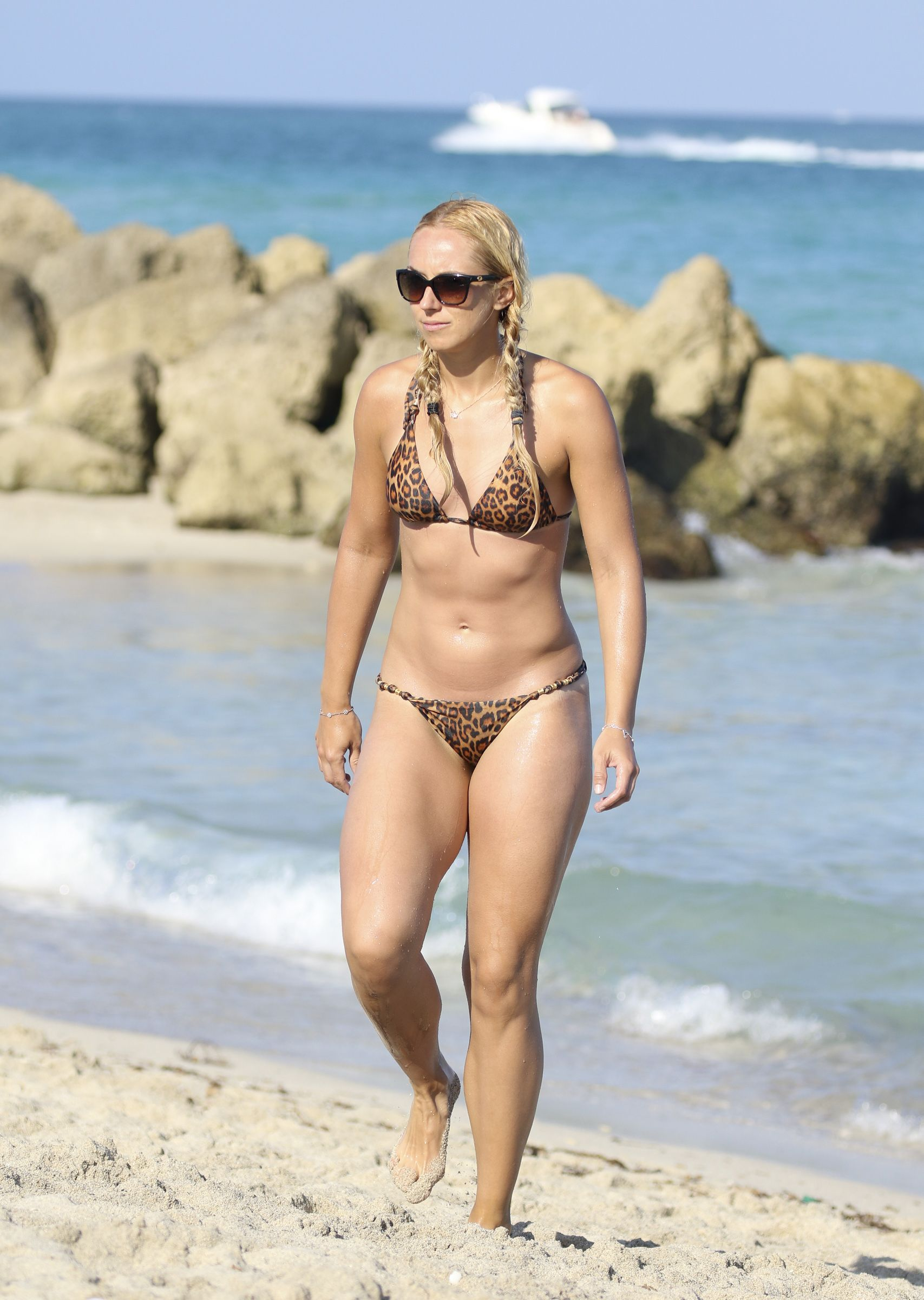 49 Hot Pictures Of Sabine Lisicki Will Hypnotise You With